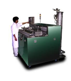 真空[減圧]鋳砂除去装置の例、 エンジンブロック2台一括処理
